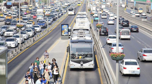İstanbul Büyükşehir Belediyesinden 32 hatta ücretsiz aktarma hizmeti