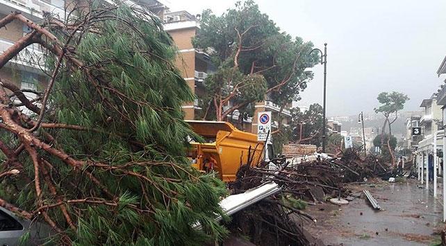 İtalyada fırtınadan ölenlerin sayısı 12ye yükseldi