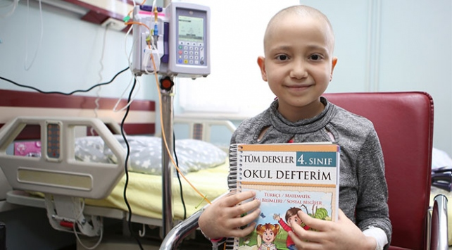 Lösemi hastası çocuklar eğitimlerine hastanede devam ediyor