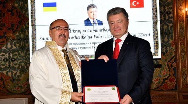 Ukrayna Devlet Başkanı Poroşenkoya fahri doktora