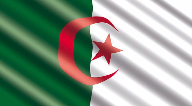 Cezayirde eski generaller geçici olarak serbest kaldı