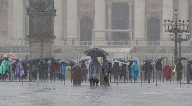 İtalyadaki sel felaketinde ölenlerin sayısı 29a yükseldi