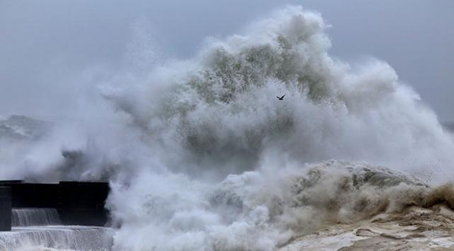 İstanbulda farklı yüzyıllarda yaşanan tsunamiler