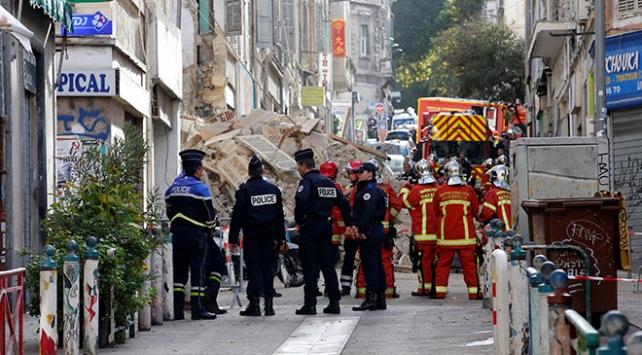 Fransada çöken iki binada ölü sayısı 6ya ulaştı