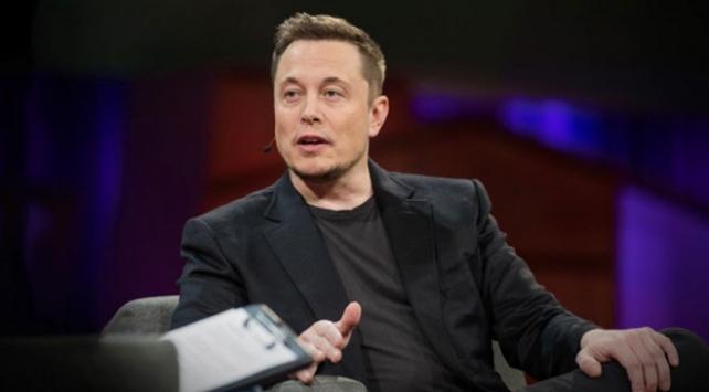 Elon Musk Tesladan istifa etti