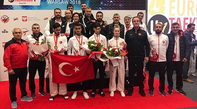 Milli tekvandoculardan 1 altın, 3 bronz madalya