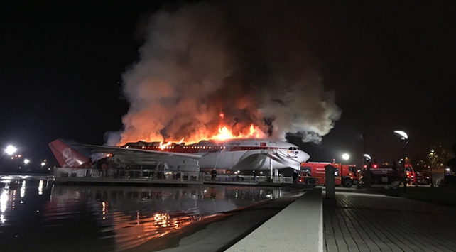 Konyada uçak restoranda yangın