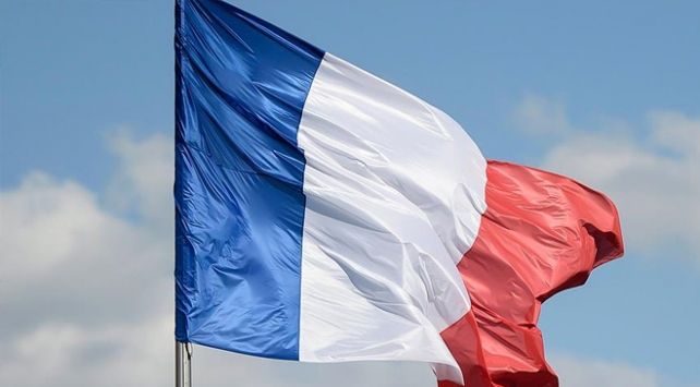 Fransada Ermeni lobisinin çıkarmaya çalıştığı gerginliğe Türkler dur dedi