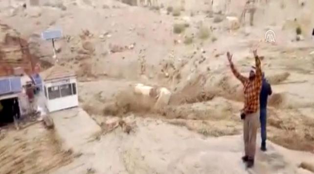Ürdün'de sel: 1 ölü, 3 kayıp
