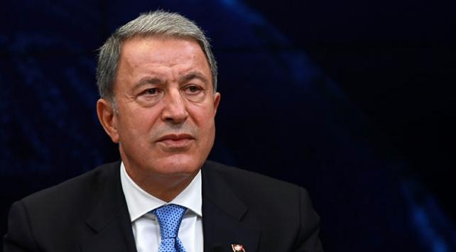 Milli Savunma Bakanı Akar patlamanın olduğu Hakkari'ye gitti