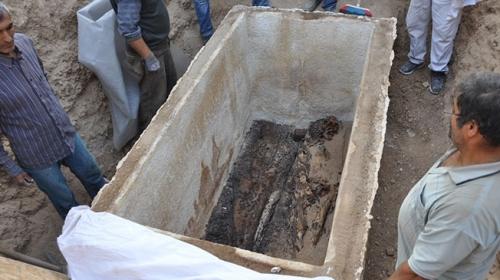 İznikte Roma dönemine ait sandık tipi lahit bulundu