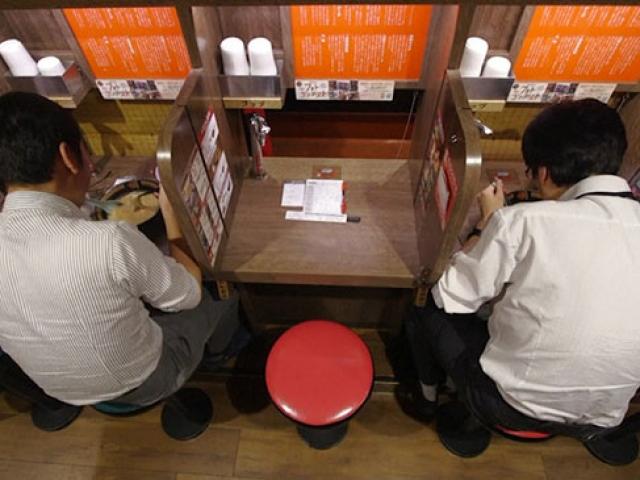 """Japonyada """"Tek başına"""" akımı hızla yayılıyor"""