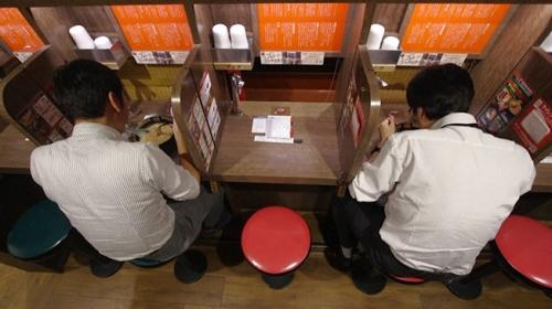 """Japonya'da """"Tek başına"""" akımı hızla yayılıyor"""