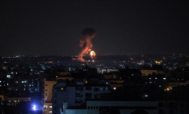 İsrail ordusu Gazze`ye hava saldırısı başlattı