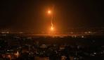 Gazze bombardıman altında kendini savunmaya çalışıyor