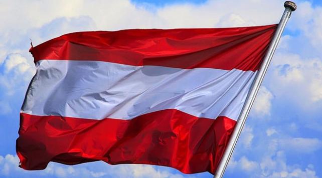 Avusturyada aşırı sağcı partinin ırkçı paylaşımına tepki