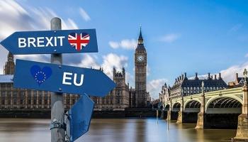 İngilterede tarihi gün: Brexit anlaşması bakanlara sunuluyor
