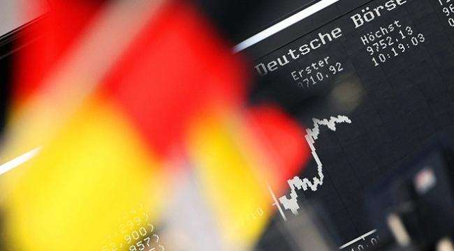 Alman ekonomisi beklenenden daha fazla küçüldü