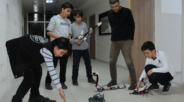 """Geleceğin """"El Cezeri""""leri Diyarbakırda yetişiyor"""