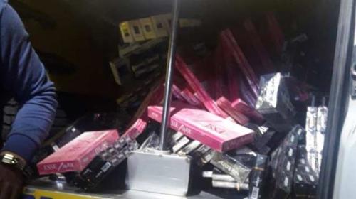 Ankarada mısır tezgahına 53 bin paket kaçak sigara gizlemişler