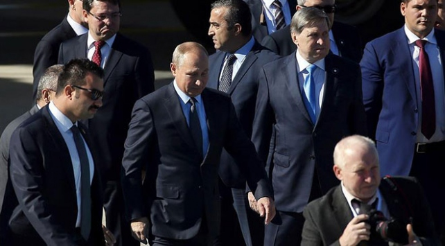 Putin, TürkAkım doğal gaz boru hattı töreni için İstanbula gelecek