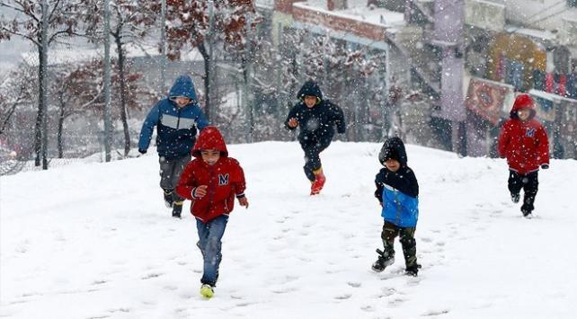 Bayburtta eğitime kar tatili