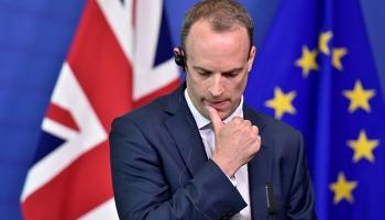 Brexitteki uzlaşma kabinede istifalar getirdi