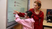Kelebek hastası küçük Elfida'nın okul özlemi sona erdi