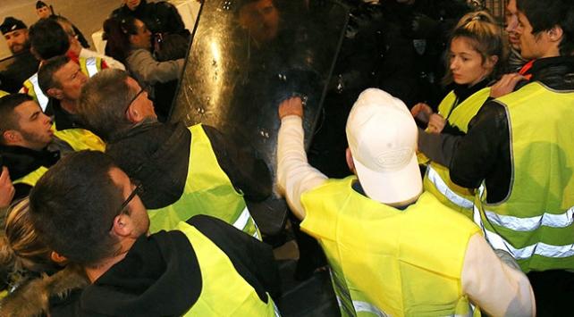 Macron'un ekonomi reformları 600 gösteriyle protesto edilecek