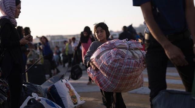 Yunanistan 6 bin sığınmacıyı adalardan ana karaya gönderiyor