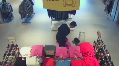 """""""En sevimli hırsız"""" güvenlik kamerasına yakalandı"""