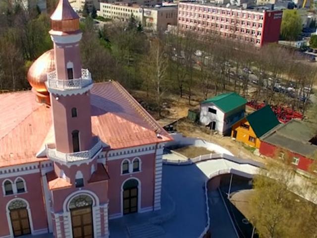 Minsk Camii her ülkeden müslümanı bir araya getiriyor