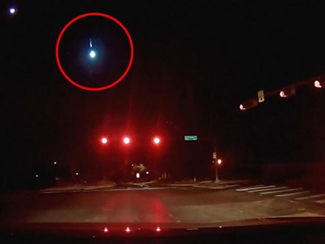 ABD Teksasta meteorun düşme anı böyle görüntülendi