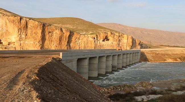 Hasankeyfteki Eyyubi Camiinin taşınması için köprü yapıldı