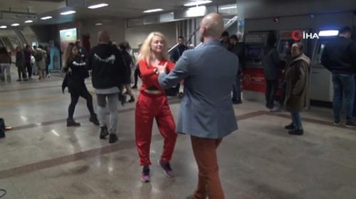 Dans yarışmasının son provasını Taksim Metrosunda yaptılar