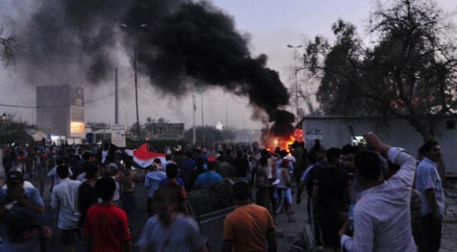 Irakta Basra gösterilerine katılan 1 aktivist daha öldürüldü