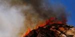 Californiada dumanlar gökyüzünü kaplamaya devam ediyor