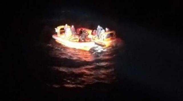 Muğlada göçmenleri taşıyan tekne battı: 1 kişi hayatını kaybetti