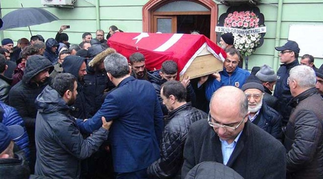 Zonguldaktaki patlamada yaşamını yitiren işçiler son yolculuğuna uğurlandı