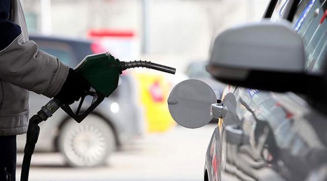 Benzinde 16 kuruş indirim