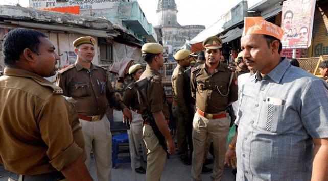 Hindistanda tapınak tartışması Müslümanları endişelendiriyor