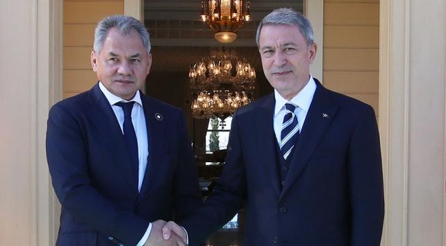 Milli Savunma Bakanı Akar, Rus mevkidaşı Şoygu ile görüştü