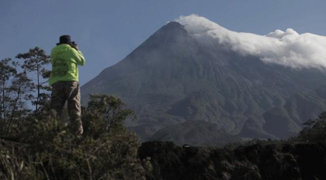 Endonezyadaki Merapi Yanardağında hareketlilik arttı