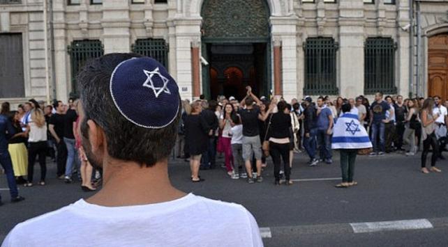Avrupalıların beşte biri Yahudilerin siyaset ve medyadaki etkisinden rahatsız