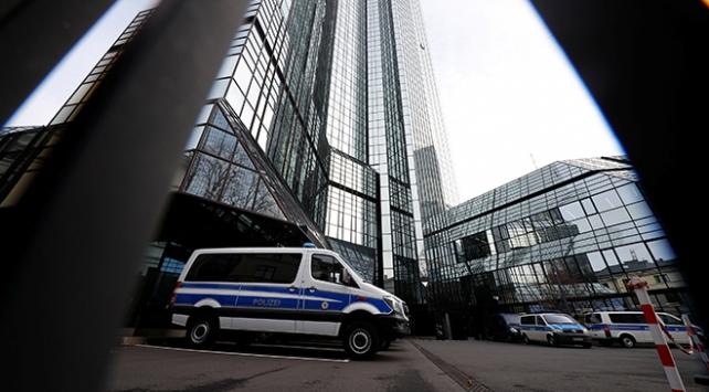 Alman Deutsche Bankta kara para aklama soruşturması