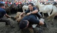 İspanyollar Sadece Boğalarla Güreşmiyor