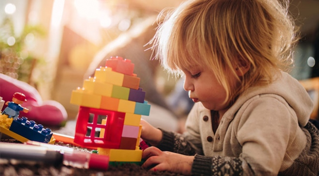 Pediatristler çocukların hayal gücünü geliştirecek oyuncakları öneriyor