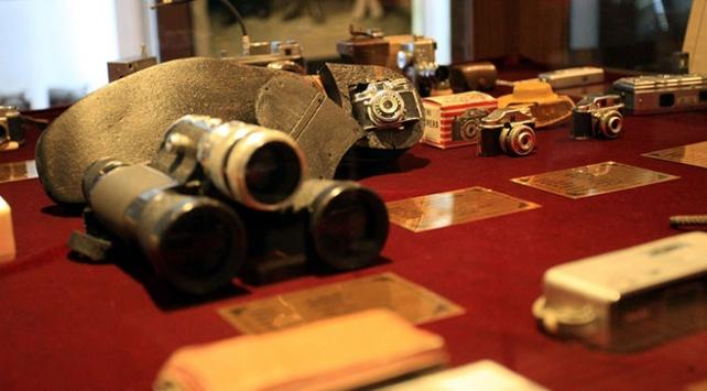 """""""Casus fotoğraf makineleri"""" müzede sergileniyor"""