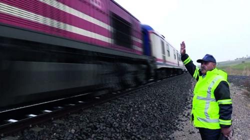 40 yıldır tren raylarında yol bekçiliği yapıyor