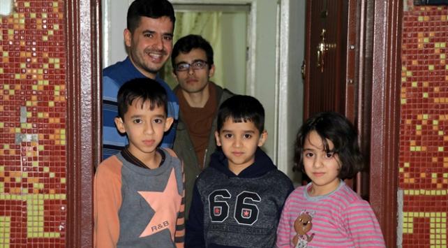 11 yaşındaki Iraklı Hüseyinin işitme cihazı sevinci
